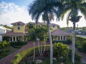 Waterfront Mansion in Aqualane Shores Naples